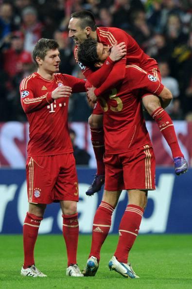 Kroos, Gomez e Ribery festeggiano per un gol del Bayern Monaco (Getty Images)