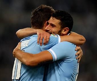 I giocatori della Lazio esultano dopo un gol (Getty Images)