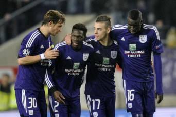I giocatori dell'Anderlecht esultano dopo un gol (Getty Images)