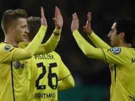 I giocatori del Borussia Dortmund esultano dopo un gol (Getty Images)