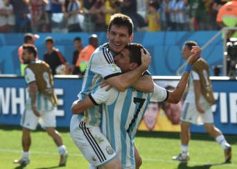 Messi e Di María esultano dopo un gol (Getty Images)