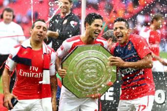 I giocatori dell'Arsenal festeggiano il trionfo in Community Shield(Getty Images)