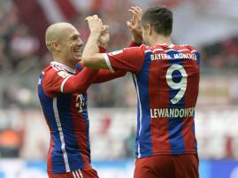 Robben e Lewandowski esultano dopo un gol (Getty Images)