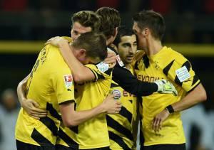 I giocatori del Dortmund esultano dopo un gol (Getty Images)