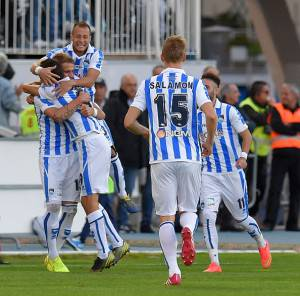 I giocatori del Pescara esultano dopo un gol (Getty Images)