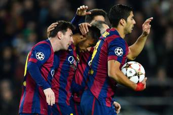 I giocatori del Barcellona esultano dopo un gol (Getty Images)