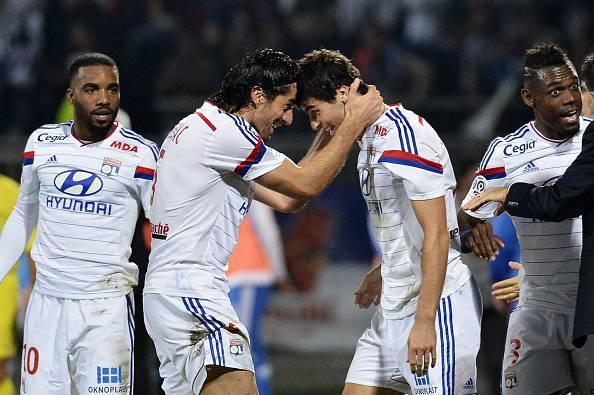 I giocatori del Lione esultano dopo un gol (Getty Images)
